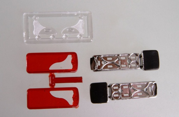 Chrome-plated taillights with reflector, type LC8