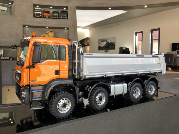MAN TGS 4-axle three-way tipper Euro 6 without all-wheel drive