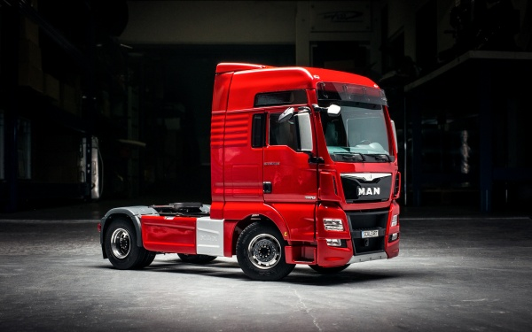 MAN TGX-XL or XXL 2-axle tractor unit Euro 6 without all-wheel drive