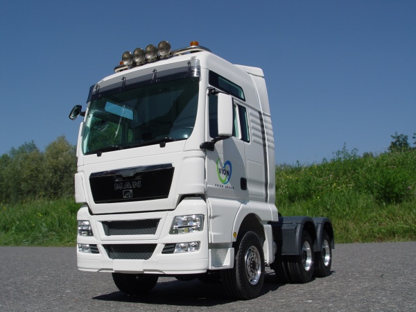 MAN TGX 3-axle tractor Euro 5 short with all-wheel drive
