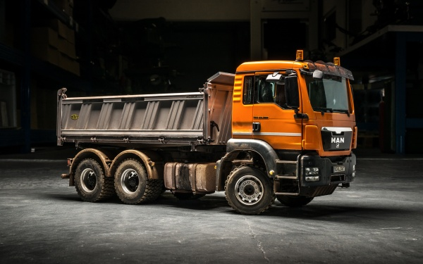 MAN TGS 3-axle three-way tipper with all-wheel drive