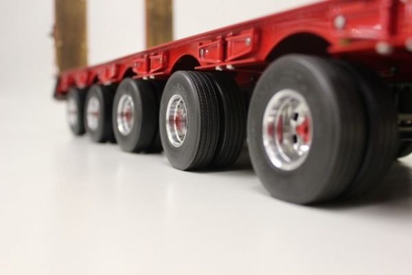 Tire for 3- and 4-axle-low-bed-trailer